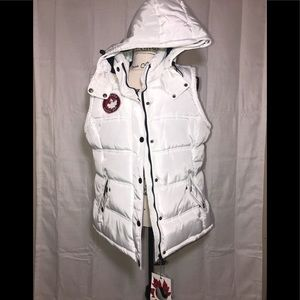 🇨🇦 Canada Weather Gear  White Hooded Puffer Vest